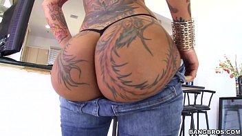 Rabuda Tatuada Dando O Rabo Pro Negão