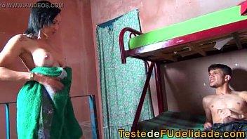Porno incesto comendo a prima rabuda no seu barraco