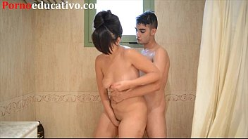 Pornoirado irmã gostosa fazendo sexo com irmão no banho