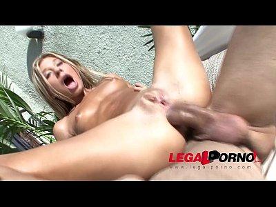 Sexo Anal Com Magrinha Loira E Um Macho Dotado