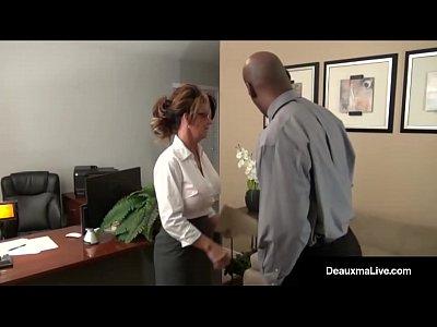 Milf Se Passando Por Chefe Do Negão Fazendo Sexo No Trabalho