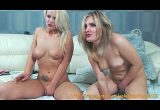 Amigas na webcam se mostrando pelada