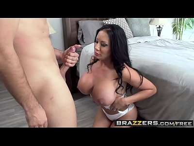 Peituda Gemendo Na Piroca Grande Em Video Pornô
