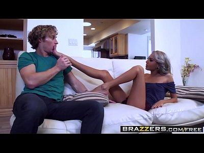 Tube Pornstar Gostosa De Cabelo Pintado Em Porno Violento
