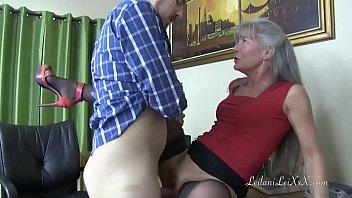 Fodendo Mãe Do Amigo Que Gosta De Putaria