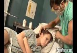 Medico fode paciente gostosa que estava dormindo no seu consultório