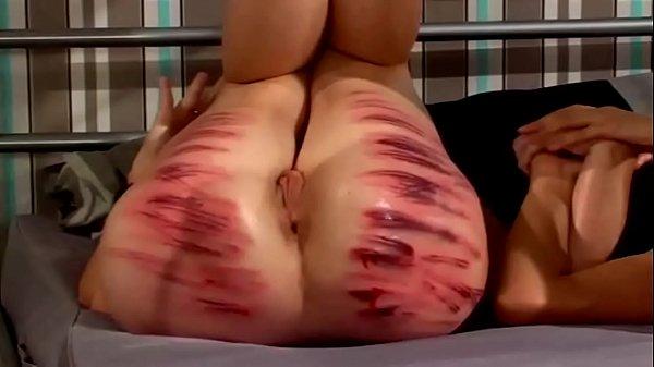 Gostosas sendo espancadas antes do sexo gostoso
