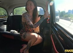 Gif de sexo fodendo com tesão no Fake Taxi