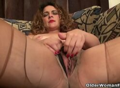 Mature pussy hairy