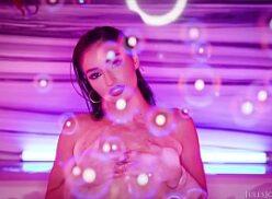 Videospornograficos com a Emily Willis dando o cu