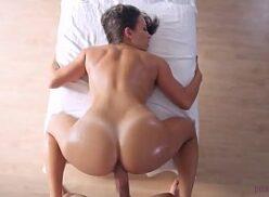 Mulher muito gostosa pedindo rola na buceta